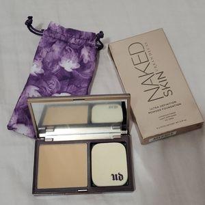 ⬇️ Urban Decay Naked Skin Powder Foundation
